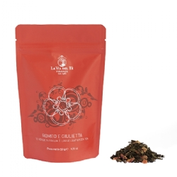 Flavoured blend of green loose leaf teas